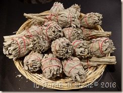 Purificare con le erbe: Smudge di Salvia Bianca
