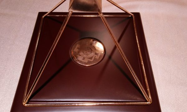 Piramide in rame